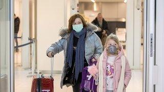 Coronavirus: des Suisses reportent leurs voyages ou changent de destination