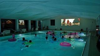 Zinal: plongez dans «Le grand bain» pour vous faire une toile insolite
