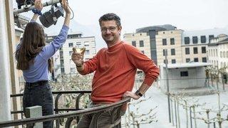 La fête aux balcons pour faire la nique au coronavirus peine à emballer en Valais