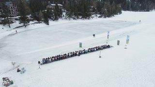 Champex: une tablée géante sur le lac gelé