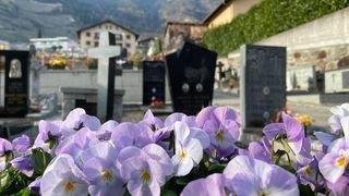 Coronavirus: des milliers de fleurs pour le cimetière de Fully
