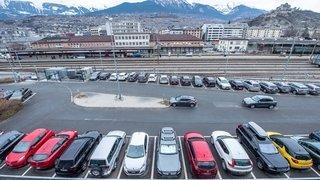 Pour se parquer à la gare de Sion il faut se lever très tôt