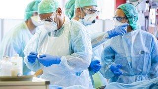 Coronavirus: derrière les portes des soins intensifs de l'hôpital de Sion