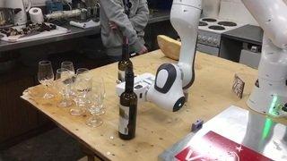 Le roboclette sert désormais aussi l'apéro
