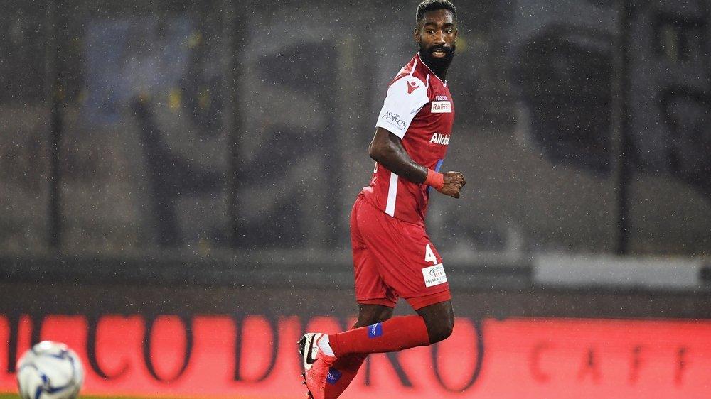 Johan Djourou lors du seul match qu'il a disputé au stade de Tourbillon contre le FC Zurich durant lequel il était entré en  jeu.