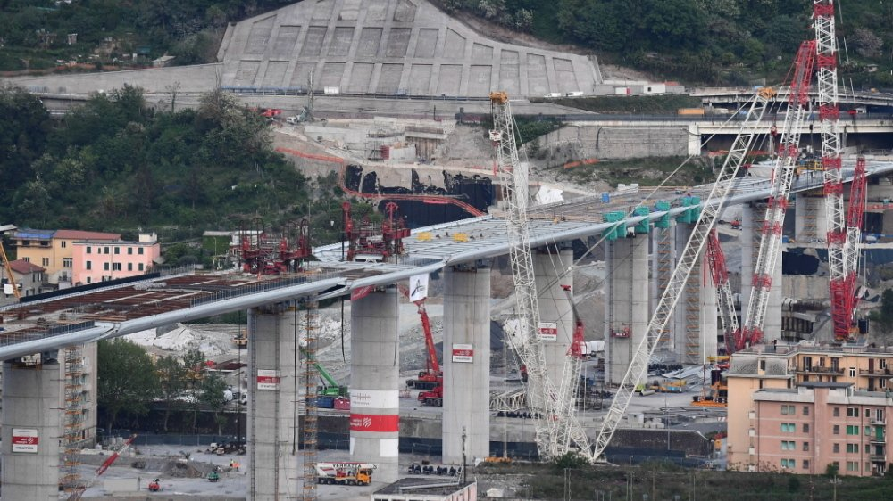 """Pont de Gênes : un """"modèle"""" de reconstruction érigé en """"symbole"""" italien . Brf042-1"""