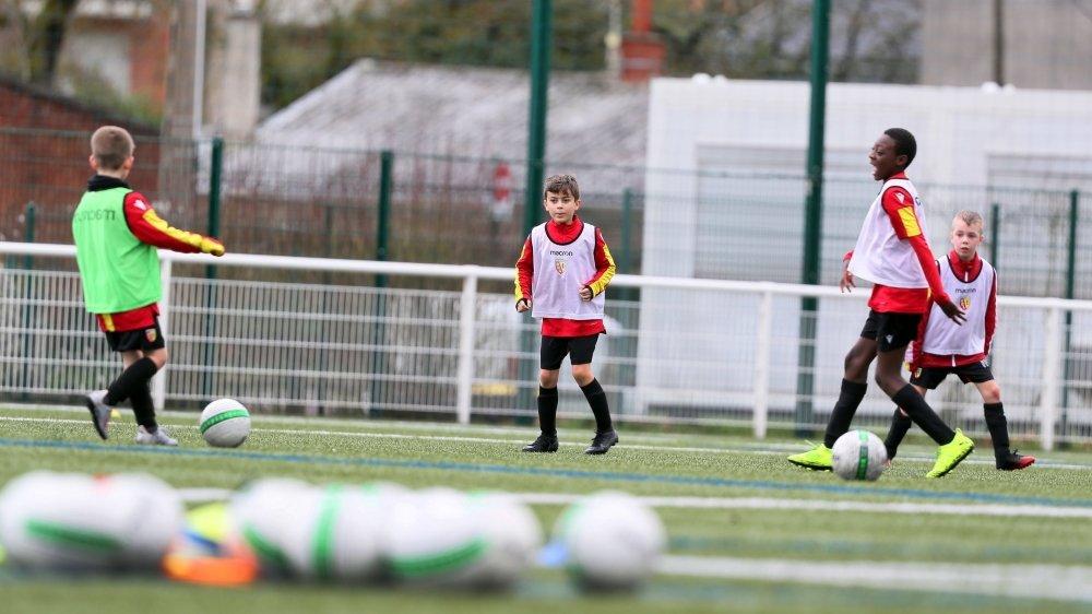 Dès lundi, il sera possible de travailler par atelier de quatre joueurs, maximum, sur les terrains de foot.