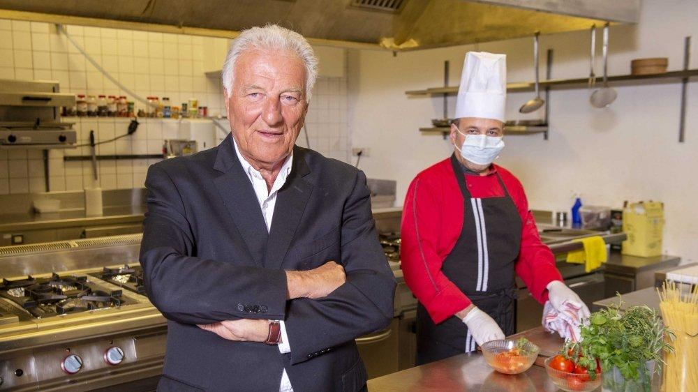 Le Directeur François Rielle et le personnel du Grand hôtel golf & Palace de Crans ont pris l'option de maintenir ouvert leur 5 étoiles. Malgré la crise du coronavirus.