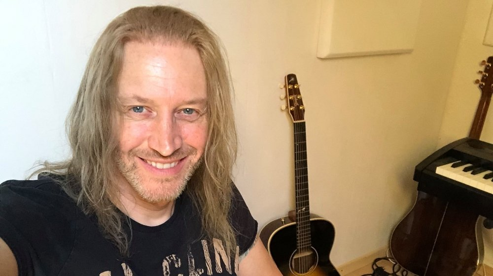 Nic Maeder profite du confinement pour écrire des morceaux pour son groupe, Gotthard.
