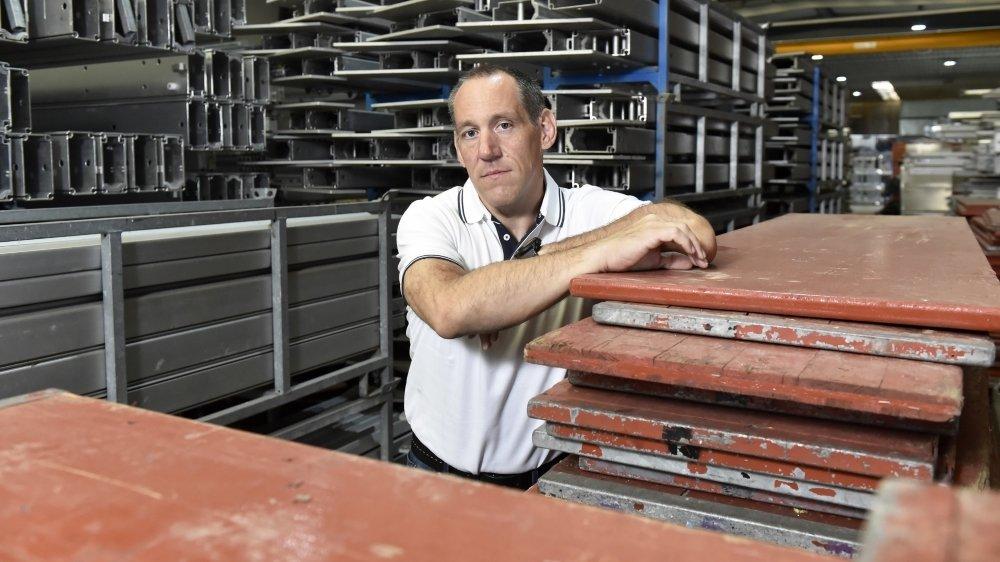 William Martinetti, directeur de Martinetti Group SA et responsable du secteur événementiel dans un entrepôt qui aura rarement été aussi plein.