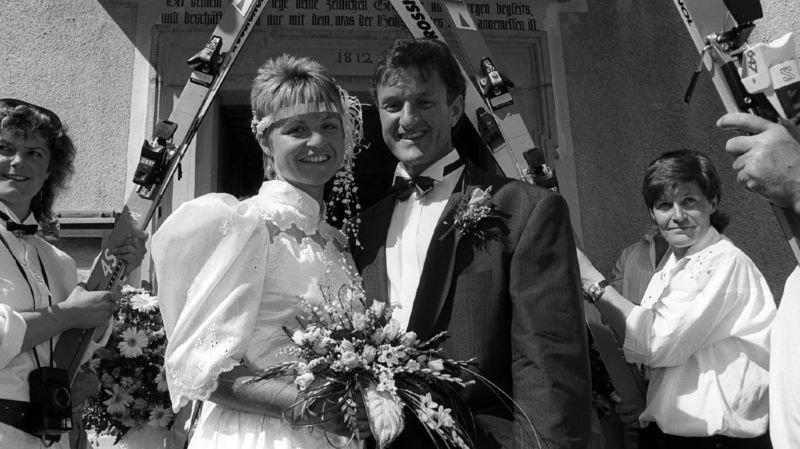 L'homme a partagé la vie de l'immense championne Erika Hess durant plus de 30 ans.