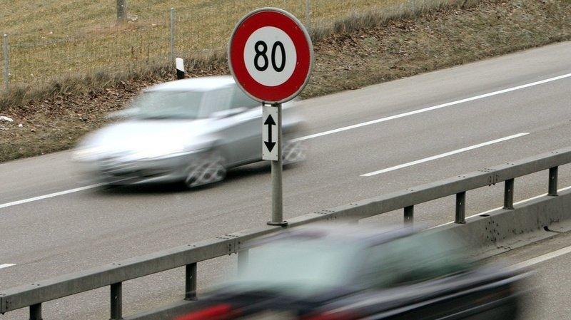 Délit de chauffard au Tessin: à 157 km/h au lieu de 80 à Cadenazzo