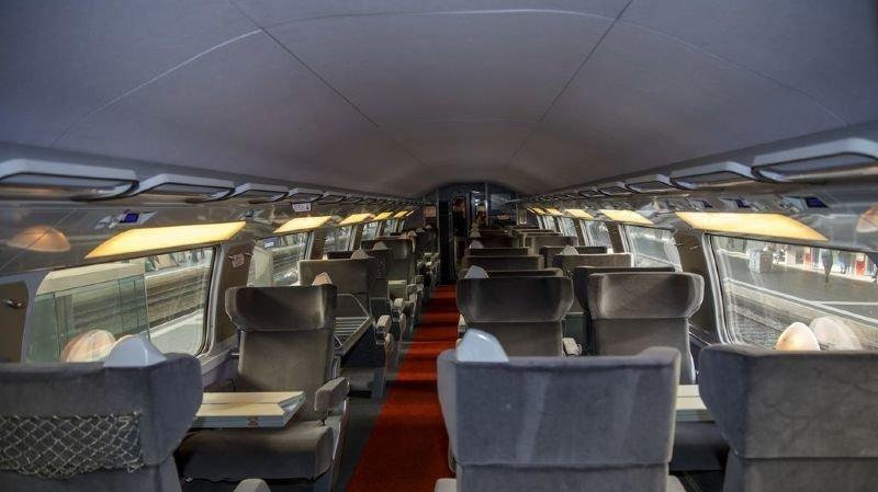 Afin de protéger les voyageurs et le personnel de bord, des mesures sanitaires sont mises en oeuvre dans les trains.