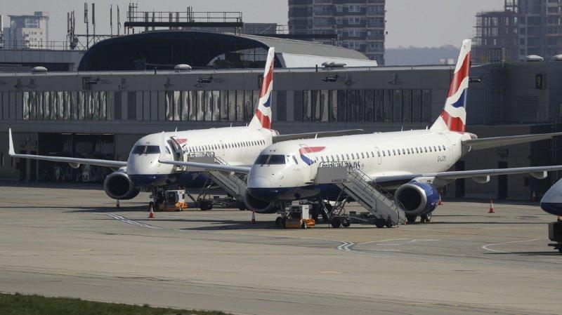 Actuellement British Airways n'opère plus qu'une poignée de vols à partir de l'aéroport londonien d'Heathrow, contre plus de 300 par jour en moyenne en temps normal.
