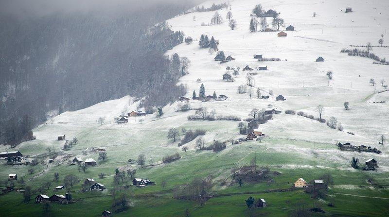 La limite des chutes de neige pourrait être située entre 1000 et 1400 mètres lundi. (Illustration)