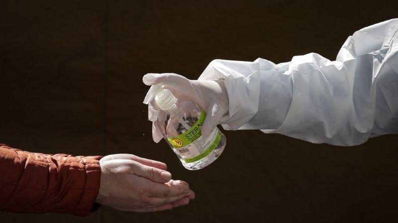 Coronavirus: le voile se lève peu à peu sur la maladie