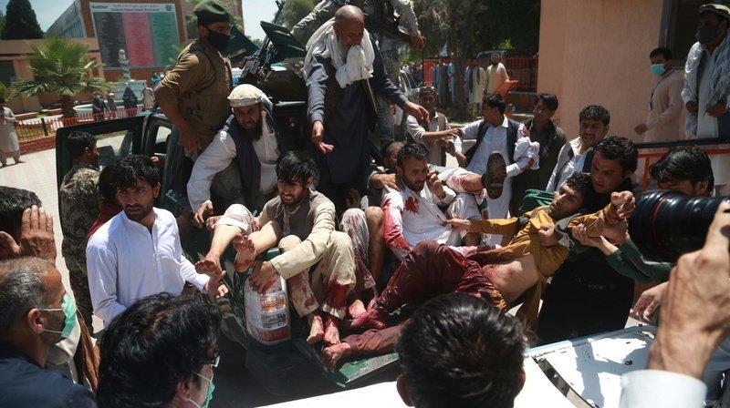 Attaque durant des funérailles en Afghanistan: des dizaines de morts ou blessés