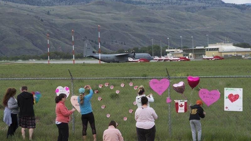 Canada: un avion de la patrouille acrobatique s'écrase, un mort