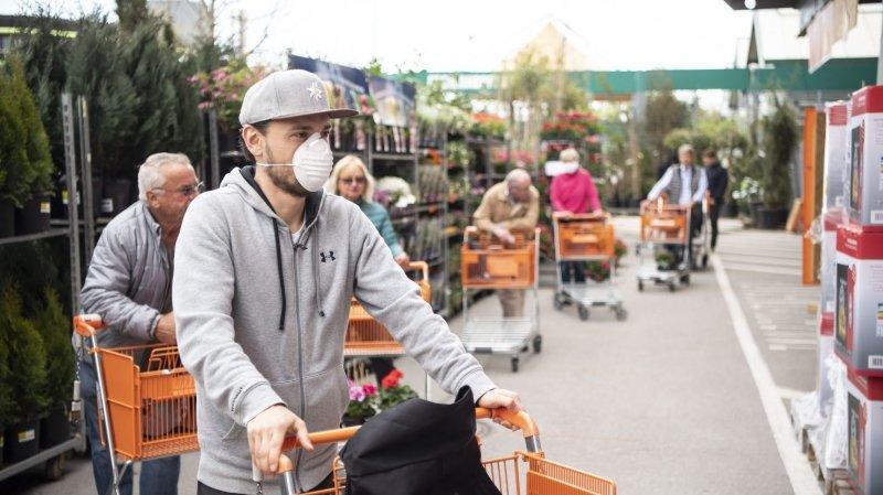 Coronavirus: des masques de protection en rayons dès lundi en Suisse