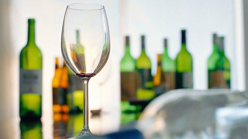 Addiction Suisse met en garde contre la consommation problématique d'alcool en temps de Covid (photo d'illustration).