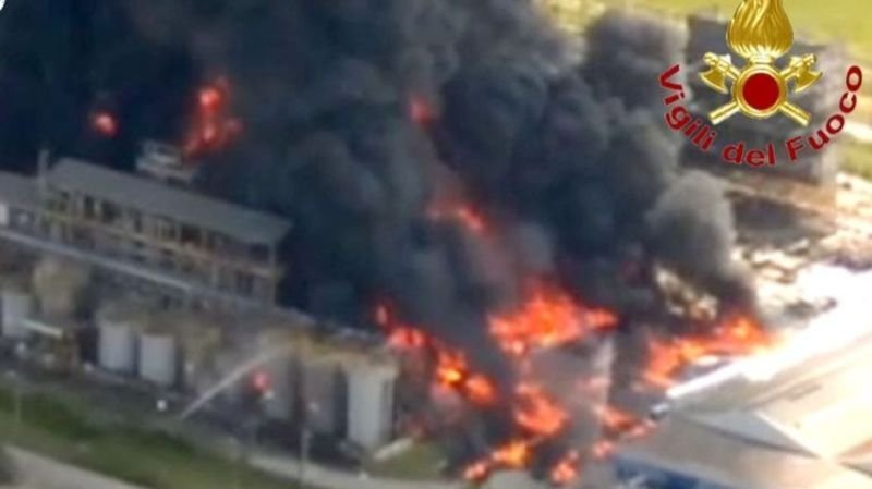 Venise: alerte après un incendie dans une usine chimique