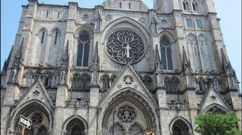 Coronavirus: une cathédrale de New York utilisée comme hôpital de campagne