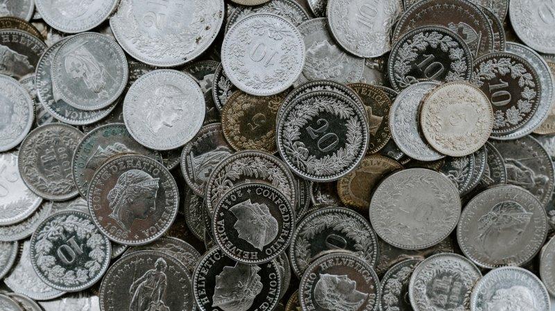 Covid-19: Des aides financières supplémentaires réclamées de tous bords en Valais