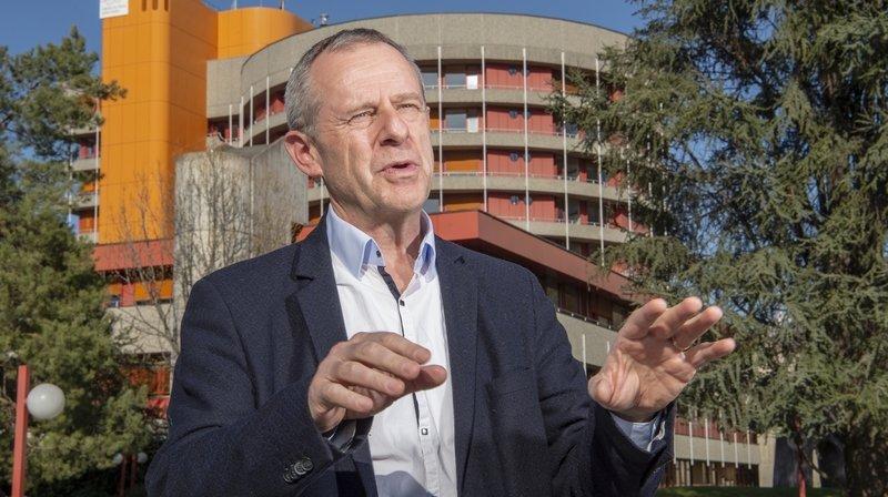 """Eric Bonvin, directeur général de l'Hôpital du Valais : """"L'accalmie actuelle semble bien être l'effet des mesures prises par la Confédération à fin février et à la mi-mars. """""""