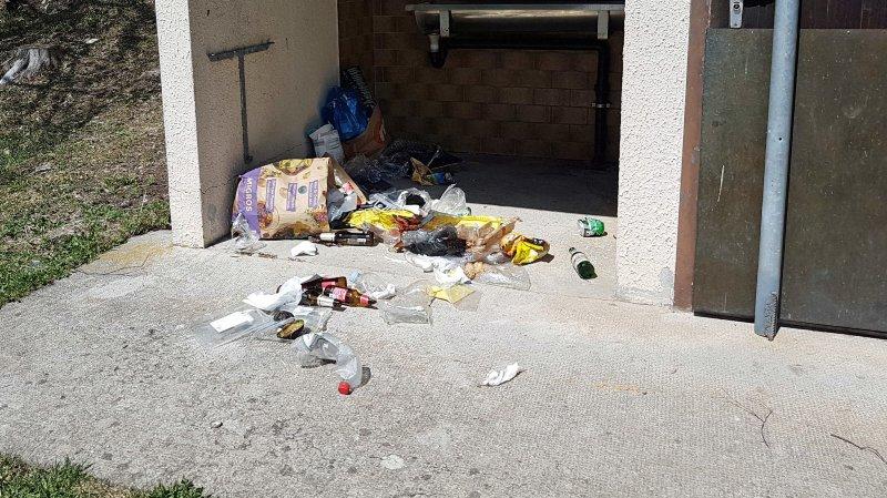 Literring au lac de Taney: entre restes de nourriture, emballages et bouteilles vides