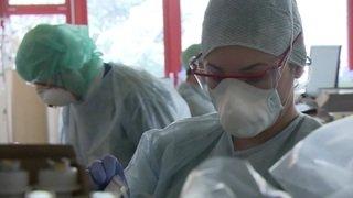 Coronavirus: immersion aux soins intensifs de l'Hôpital du Valais à Sion