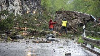 Evolène: quand la montagne s'effondre sur la route cantonale