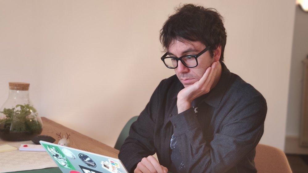 A 34 ans, Daniel Probst s'est démarqué en créant une plateforme de récoltes de données sur le coronavirus en Suisse: corona-data.ch.