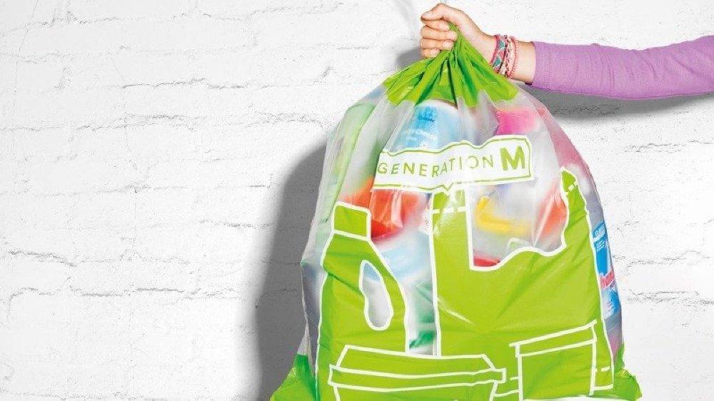 Fin juin, Migros veut passer la vitesse supérieure dans le recyclage du plastique en Suisse.