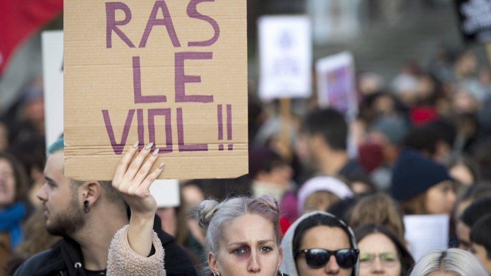 La lutte contre les violences sexuelles a été un point central de la grève féministe du 14 juin et de manifestations, comme ici à Lausanne en novembre 2019. (Archives)