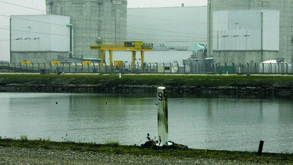 Ironie de l'histoire, le réacteur No 2 de la centrale de Fessenheim a connu, vendredi, une procédure d'arrêt automatique, provoquée par des orages, mais est de nouveau entré en service samedi, en fin de journée, pour quelques heures.