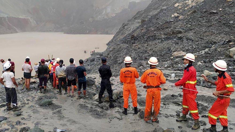 Glissement de terrain: plus de 160 morts