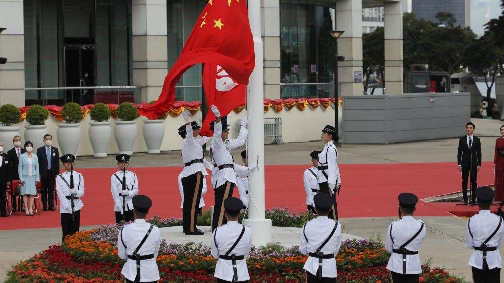 Hong Kong marquant le 23e anniversaire de sa rétrocession à la Chine en 1997, un jour après que la Chine ait promulgué une loi de sécurité nationale qui réprime les protestations sur le territoire.