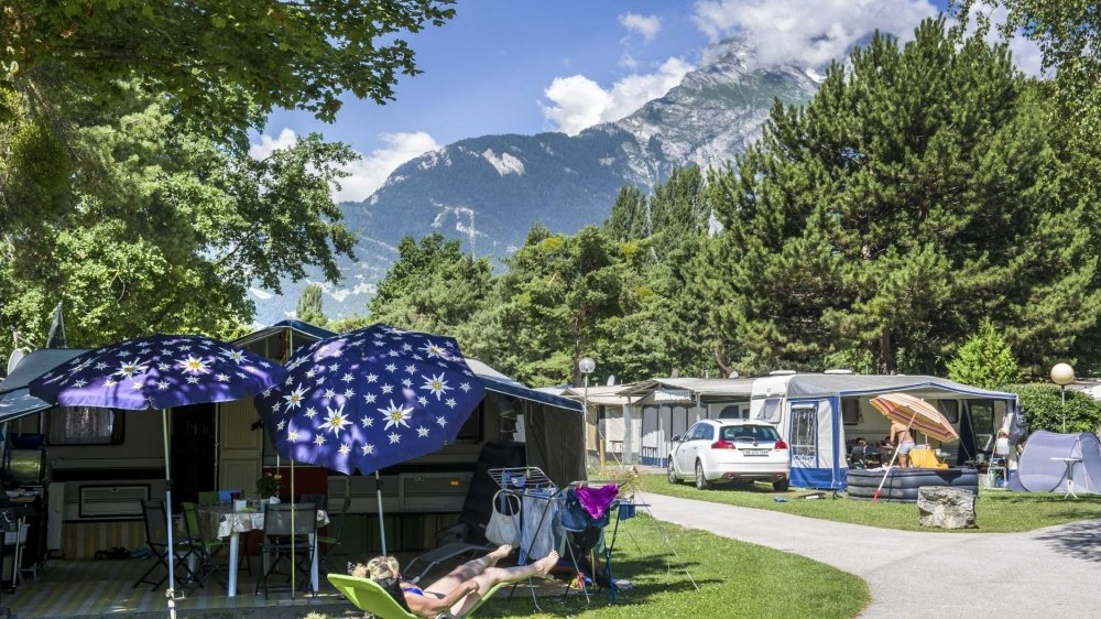 Comme tous les sites valaisans, le camping des îles à Sion s'apprête à faire le plein de tentes et de caravanes cet été.