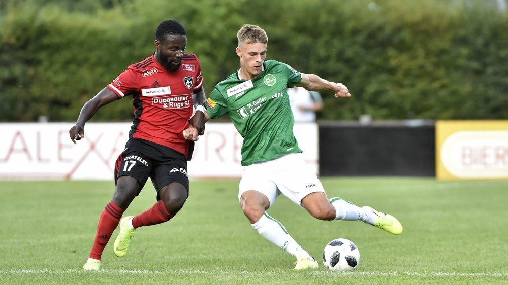 À l'image de Kingsford Aboagye, qui défend les couleurs du FC Monthey, les sportifs de couleur doivent encore trop souvent faire face au racisme.