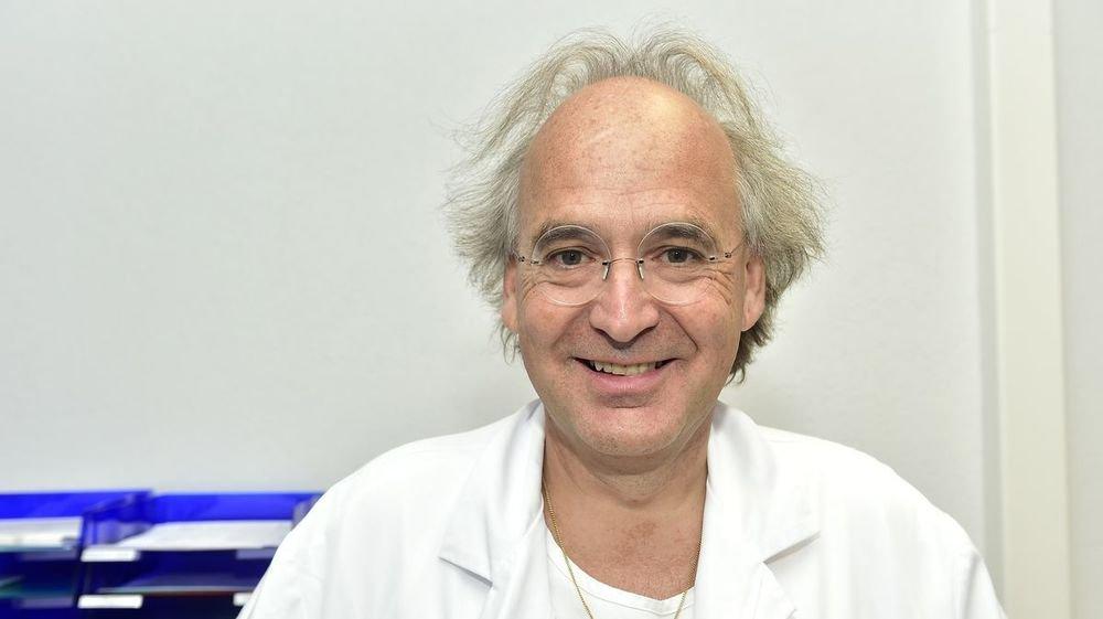 Martial Coutaz, chef du pôle de gériatrie du Centre hospitalier du Valais romand, est l'auteur principal d'une étude qui porte sur les aînés atteints du Covid.