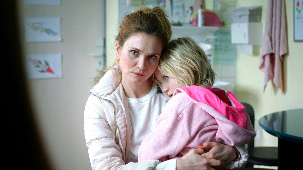 Benni (Helena Zengel) passe de la douceur à la colère sans prévenir!