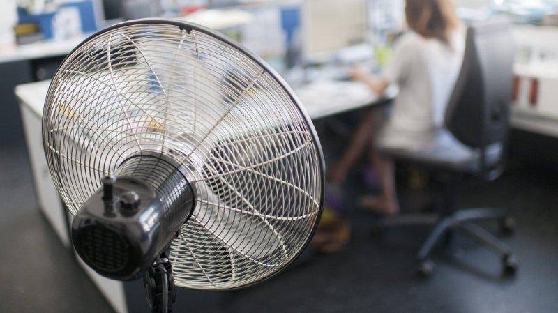 Les ventilateurs représentent un risque dans les espaces accueillant plusieurs personnes, comme les open-spaces. (illustration)