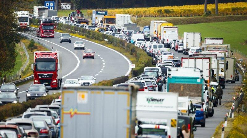 L'autoroute A1 a été fermée jusqu'à 06h00 du matin pour les besoins des opérations.