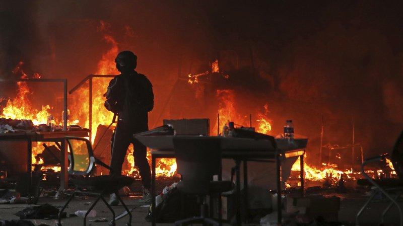 La puissance de l'explosion a entraîné l'effondrement d'habitations et d'usines situées près du lieu de la catastrophe.