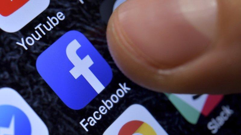 Facebook: le mode sombre sera bientôt disponible pour tous les utilisateurs
