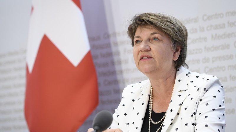 Armée: pour Viola Amherd, la Suisse a besoin de nouveaux avions de combat