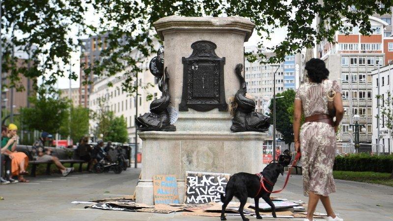 Des manifestants anti-racistes se sont pris à plusieurs statues en Grande-Bretagne et aux Etats-Unis.