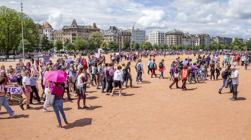 A Genève, plus de 2000 manifestants étaient réunis sur la plaine de Plainpalais.