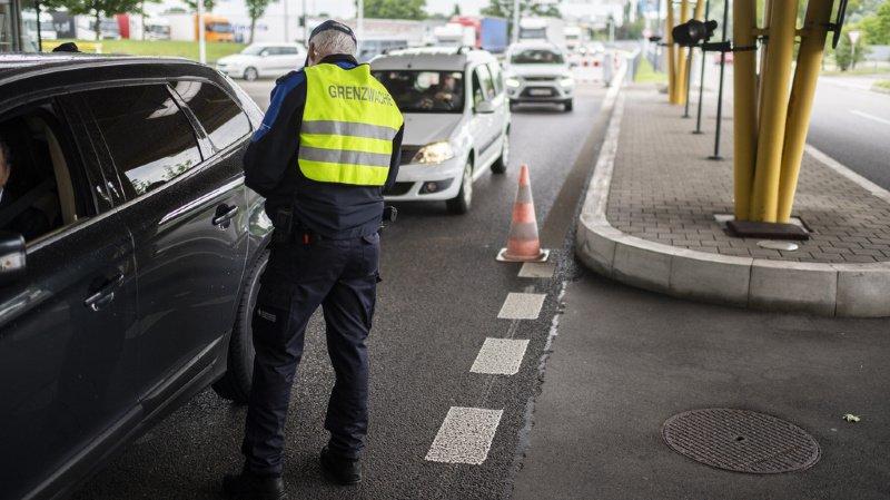 Les points de passage frontaliers qui avaient été fermés sont rouverts.