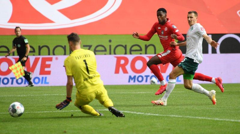 Entré en jeu à la 65e, le milieu valaisan a marqué son premier but avec Mayence vingt minutes plus tard, scellant le score face au Werder Brême (3-1).